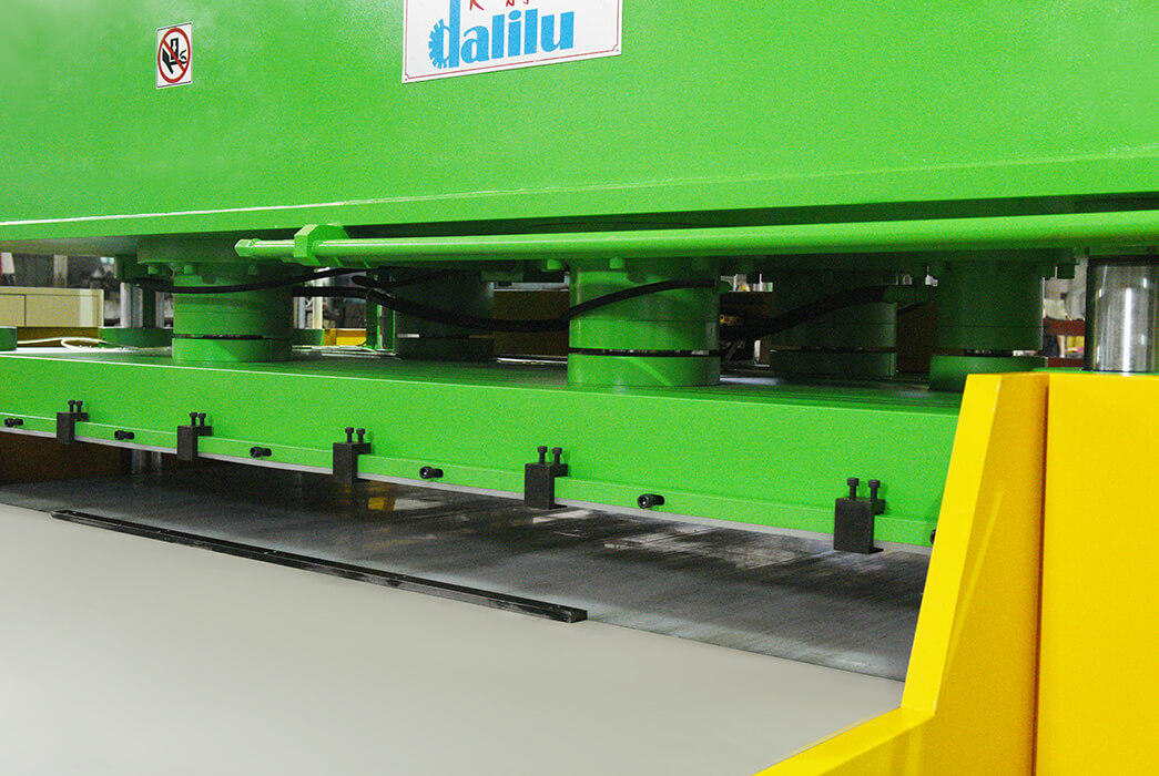 Dalilu dlc8 automatic cutting machine supplier for rubber belt-2