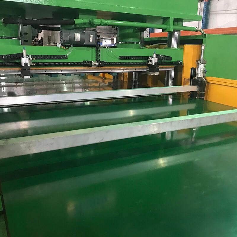 Dalilu-Large Die Cutting Machine Automatic Conveyor Belt Feeding Type-2