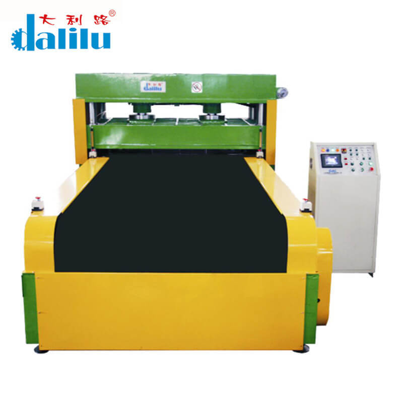 Automatic Feeding Conveyor Type Hydraulic Die Cutting Machine For Car Leather DLC-9C