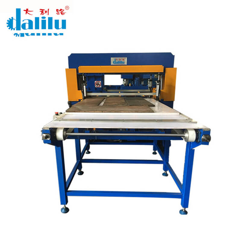 news-facial mask cutting machine dlc9c for clothing Dalilu-Dalilu-img