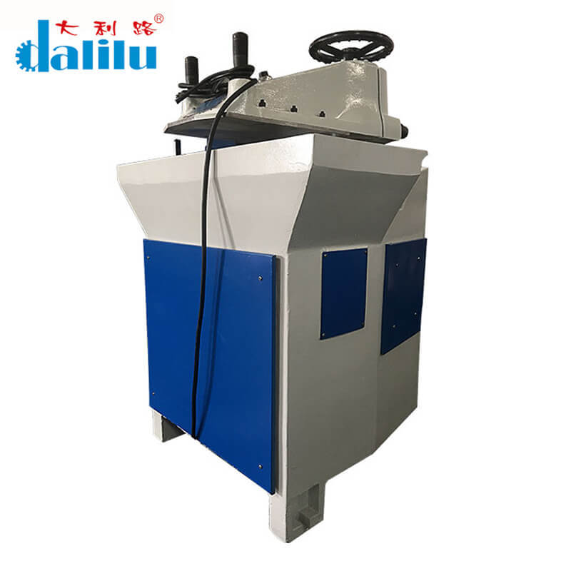 Swing Arm Cutting Machine For Cloth DLC-1