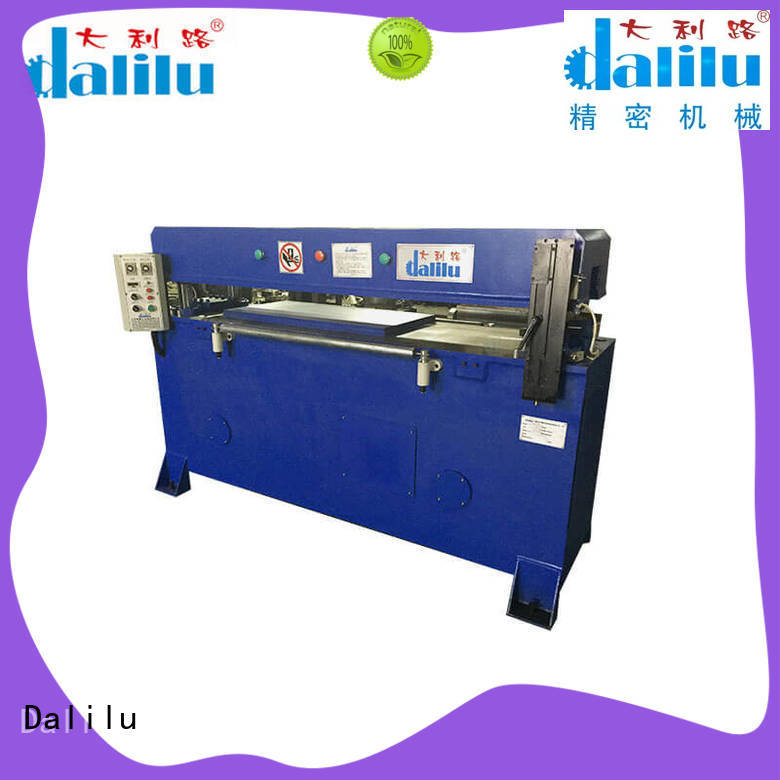 Dalilu stable automatic cloth cutting machine design for wallets